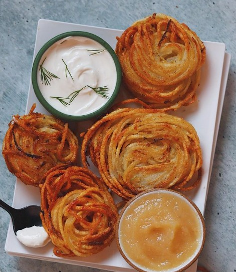 Spiralized Vegan Latkes (aka potato pancakes)