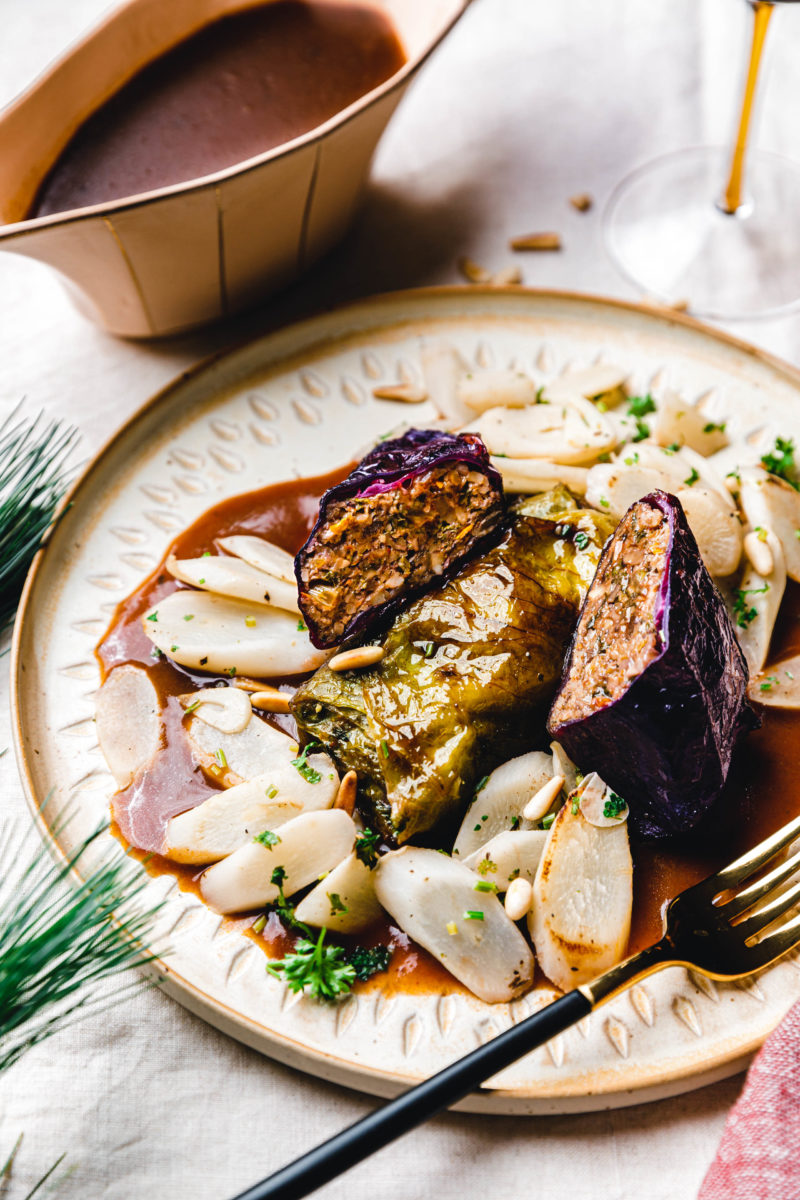 Salsify vegetables with roasted pine nuts